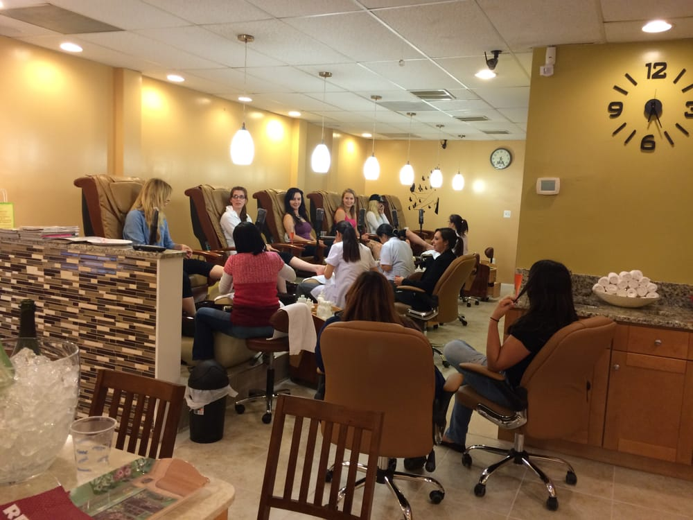 7 Nails & Spa: 1118 Herndon Pkwy, Herndon, VA