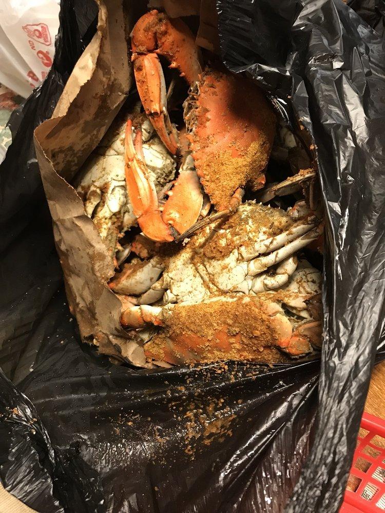 Darla's Seafood: 4010 George Washington Hwy, Portsmouth, VA