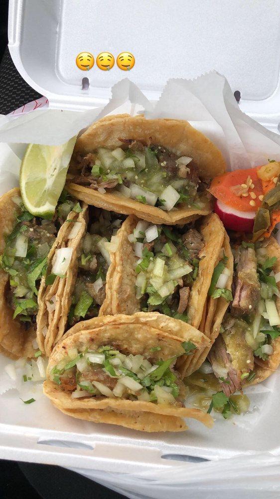La Costa Tacos y Mariscos: 216 NW Broad St, Fairburn, GA