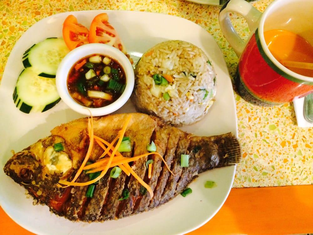 Dok Bua Thai Kitchen: 411 Harvard St, Brookline, MA