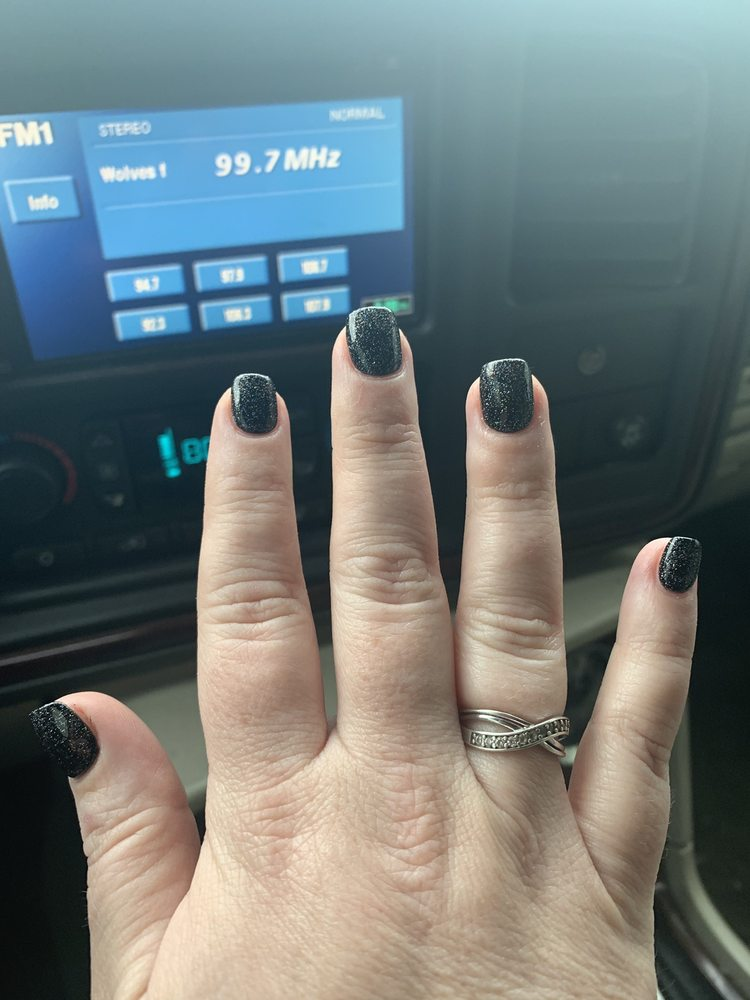 Venus Nails: 6019 Groveport Rd, Groveport, OH