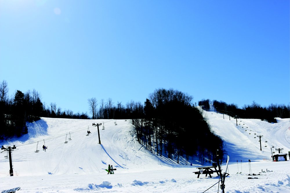 Blackjack Mountain - Big Snow Resort: N11251 Blackjack Rd, Bessemer, MI