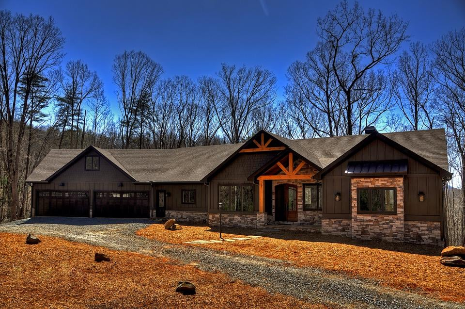 Lopez Painting: 2410 Old Flat Branch Rd, Ellijay, GA