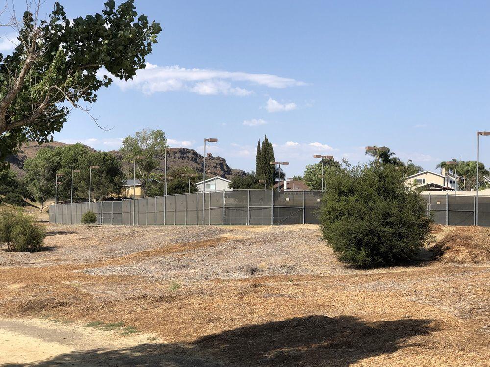 Wildflower Playfield: 635 W Avenida De Los Arboles, Thousand Oaks, CA
