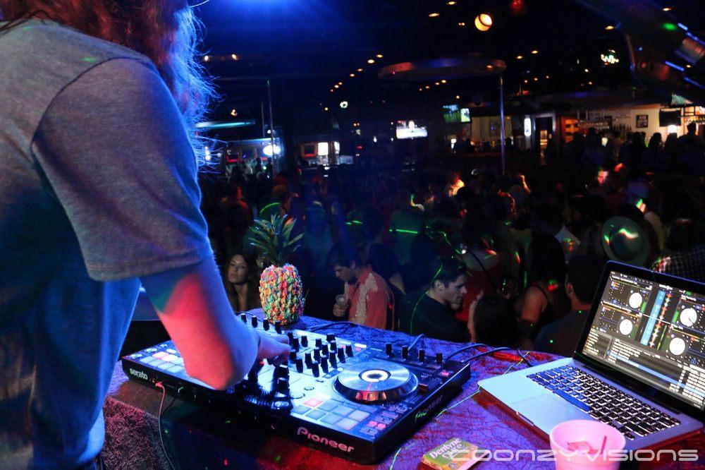 The Club at Live Bait: 24281 Perdido Beach Blvd, Orange Beach, AL