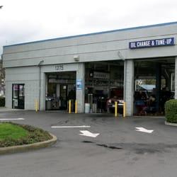 Drive Thru Oil Change Near Me >> Oilstop Drive Thru Oil Change 99 Reviews Oil Change Stations