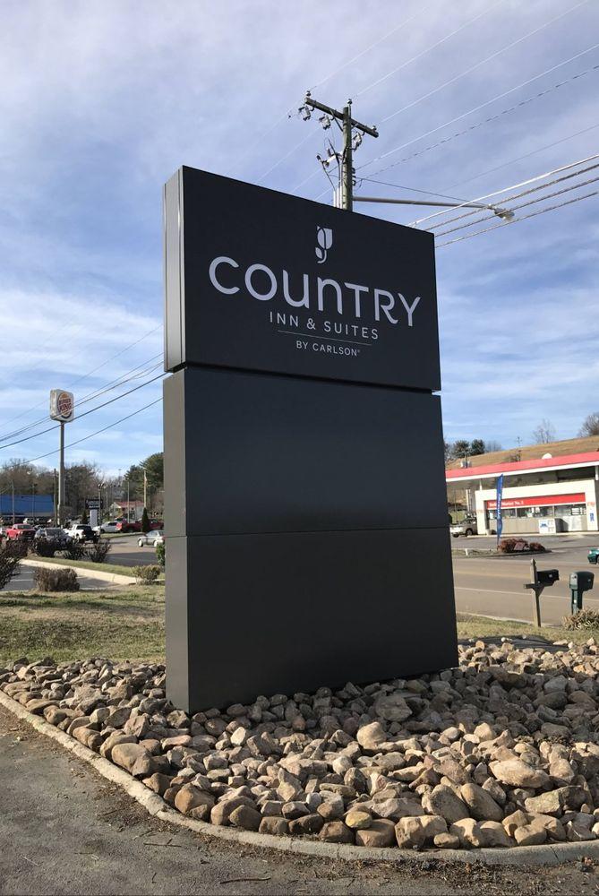 Country Inn & Suites by Radisson - Abingdon: 940 E Main St, Abingdon, VA