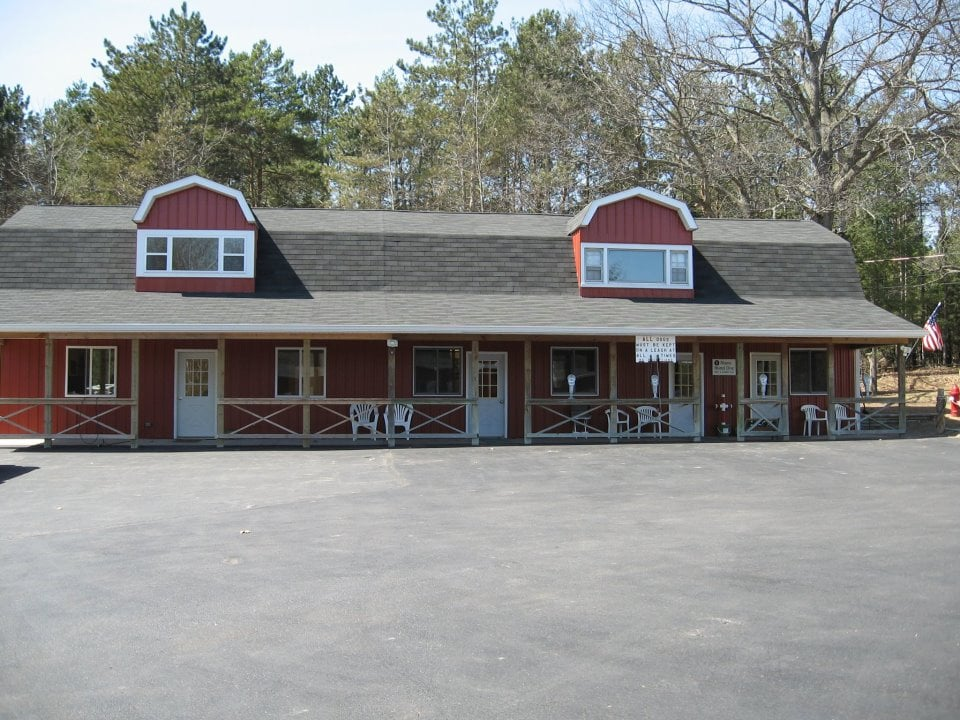 Alcona Animal Clinic: 411 Millen St, Lincoln, MI