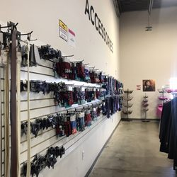 d2c3e85c0f Discount Fashion Warehouse - 35 Photos   16 Reviews - Discount Store ...