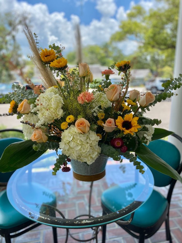 Westover's Flowers & Gifts: 510 E Liberty St, Brooksville, FL