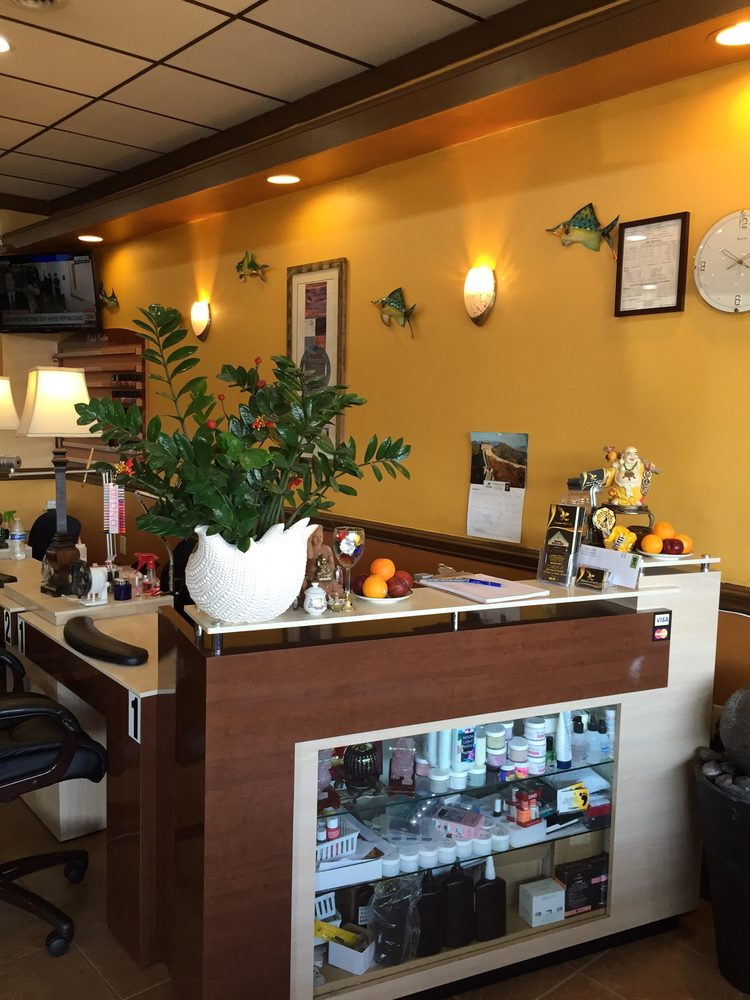 Glamorous Nails & Spa: 12302 Shelbyville Rd, Louisville, KY