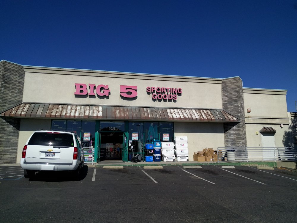 Big 5 Sporting Goods: 1051 Sanguinetti Rd, Sonora, CA