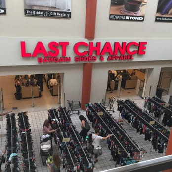 last chance clearance store 107 photos 405 reviews shoe stores 1919 e camelback rd. Black Bedroom Furniture Sets. Home Design Ideas