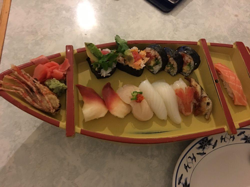 Sushi Kame: 132 W Church St, Champaign, IL