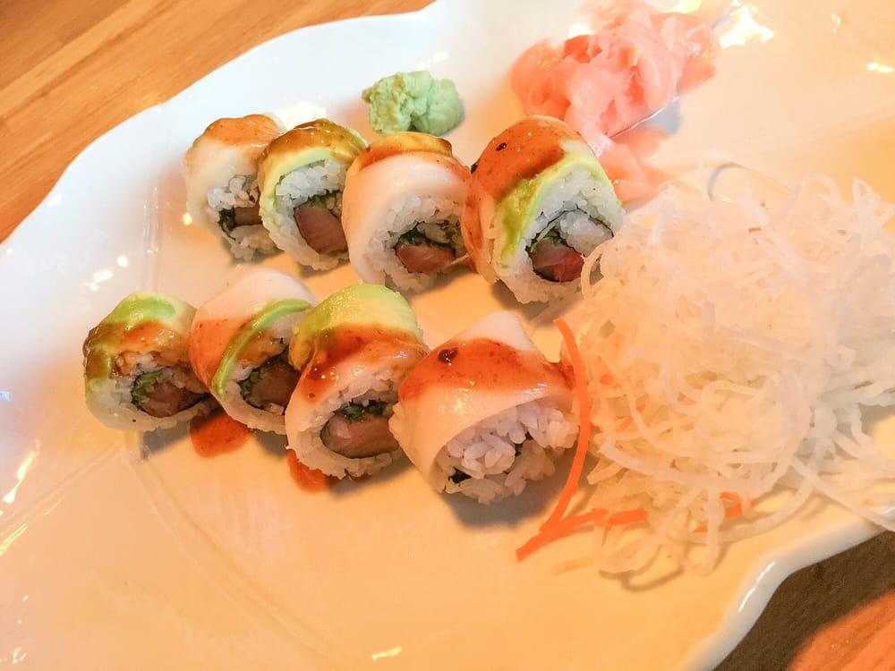 Kuroshio Sushi Bar and Grille - Cumberland: 2700 Cobb Pkwy, Smyrna, GA