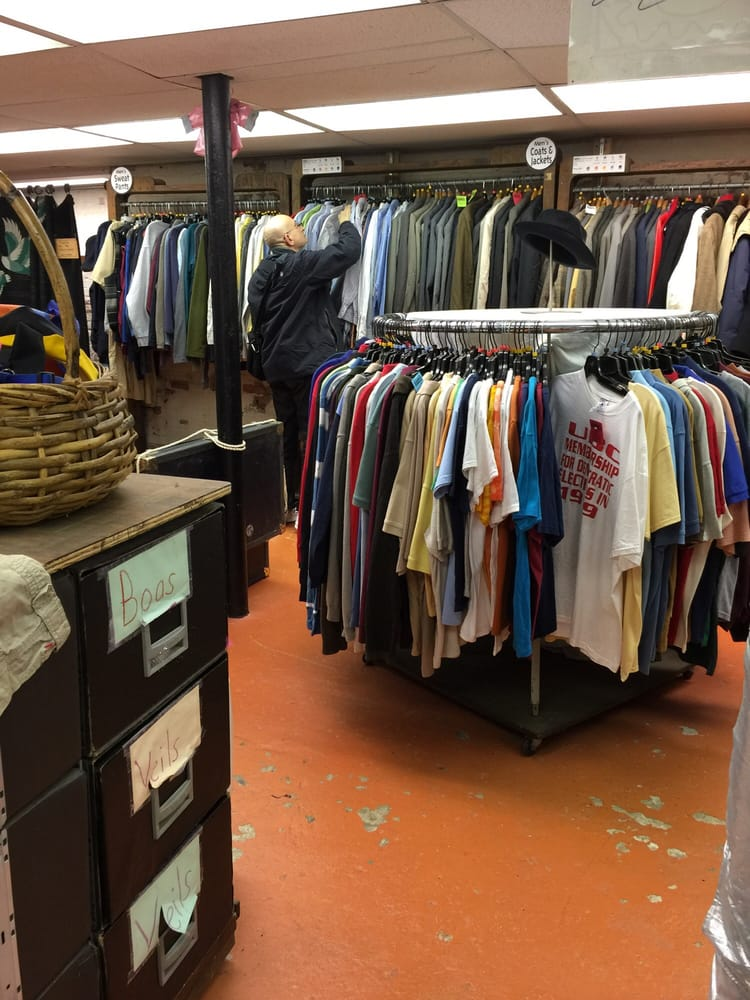 Every Thing Goes Clothing: 140 Bay St, Staten Island, NY
