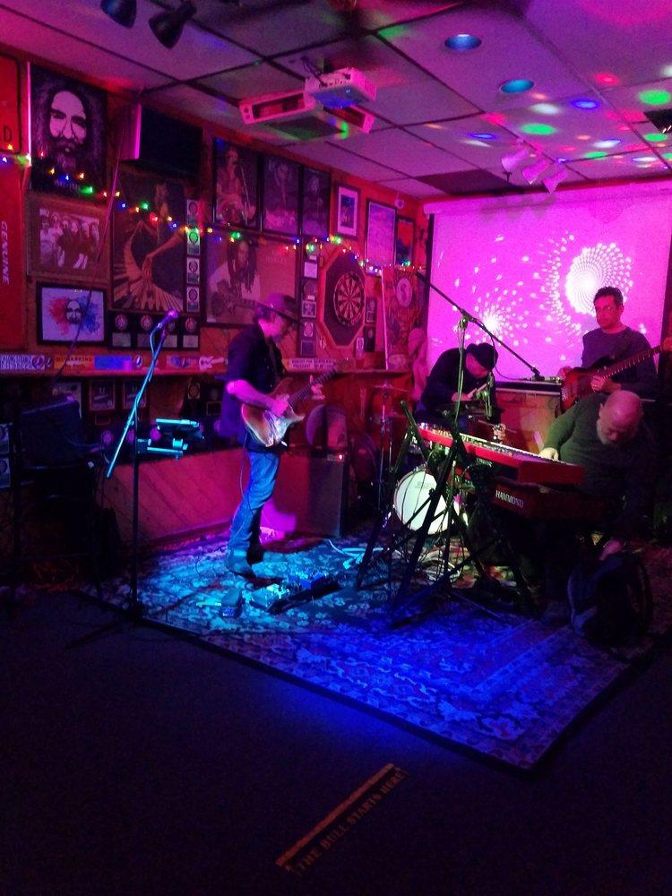 Beau's Bar: 54 Broadway, Greenlawn, NY