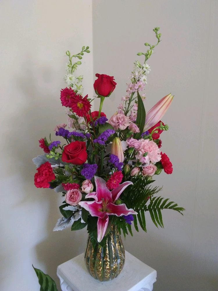 Flowers For All Occasions: 8 Raspberry Ct, Lugoff, SC