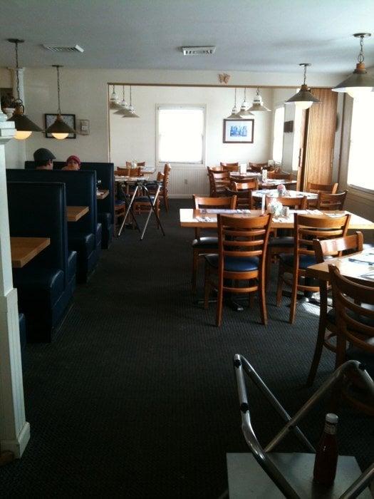 Papa Nick's Restaurant: 10997 Rt 116, Hinesburg, VT
