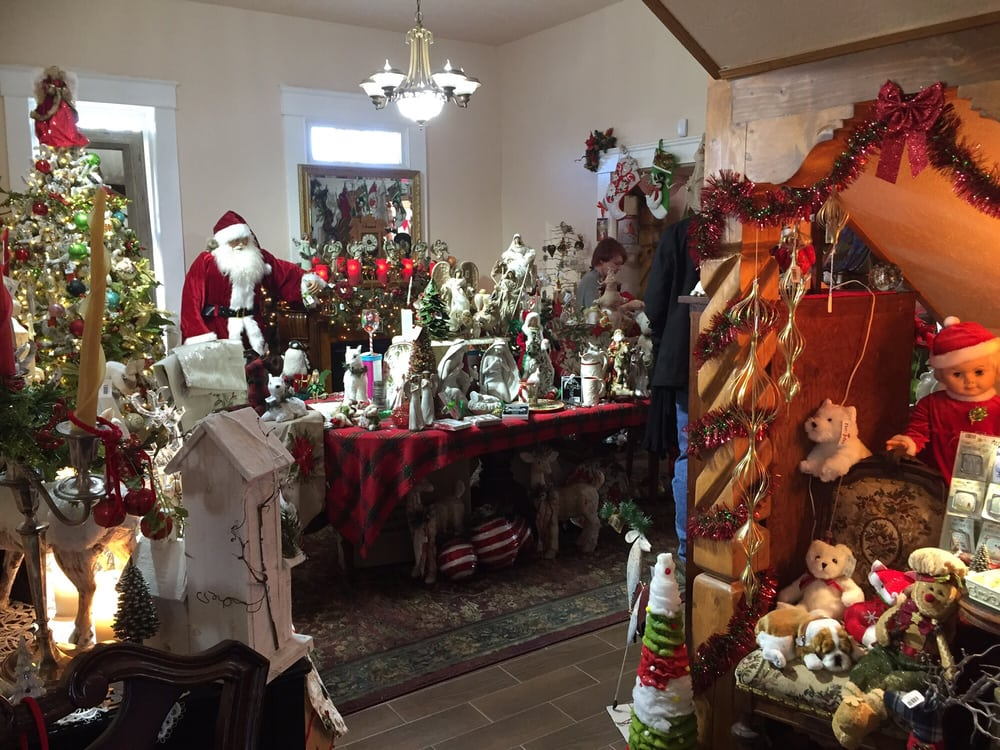 Tis the Season: 2402 Avenida De Mesilla, Mesilla, NM