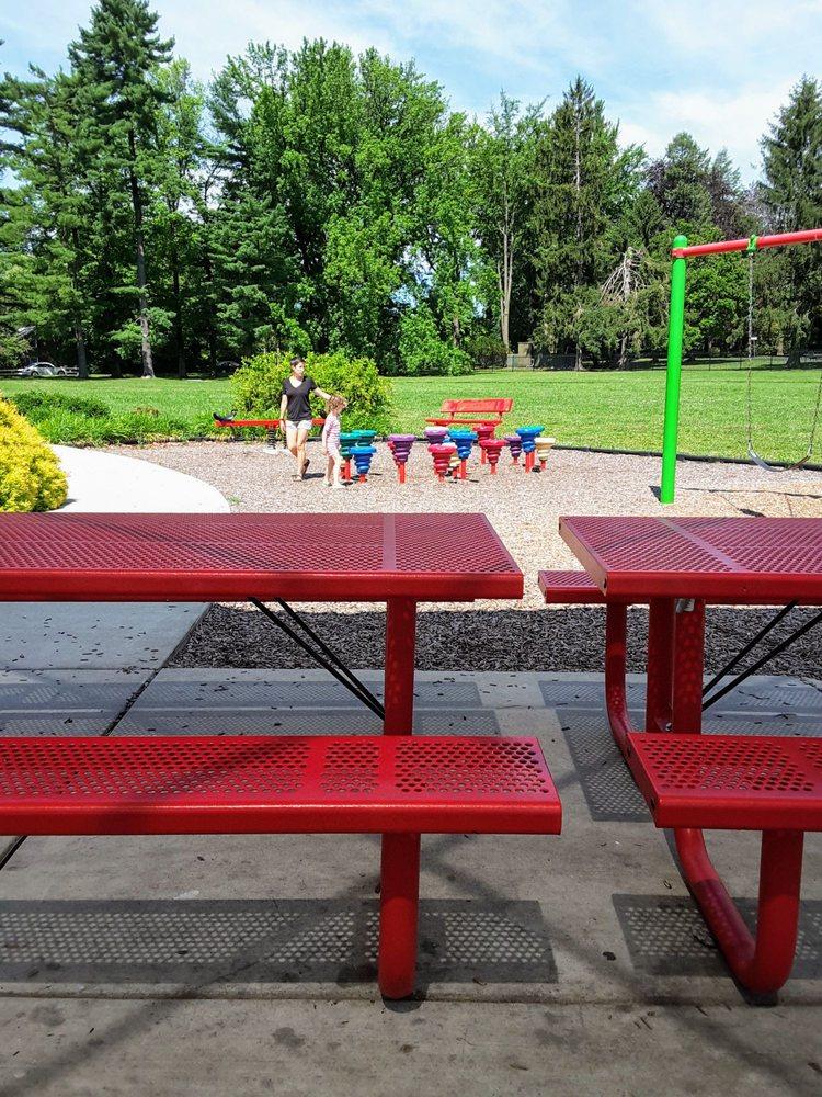 Social Spots from Ashbridge Memorial Park