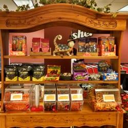 Fisher Nuts - 82張相片及24篇評語 - 糖果店 - 1701 N Randall Rd, Elgin, IL, 美國 - 電話號碼 - Yelp