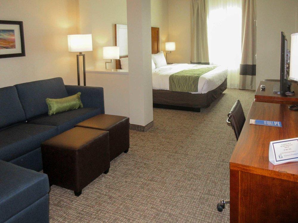 Comfort Inn & Suites: 8 Marietta Court, Edgewood, NM