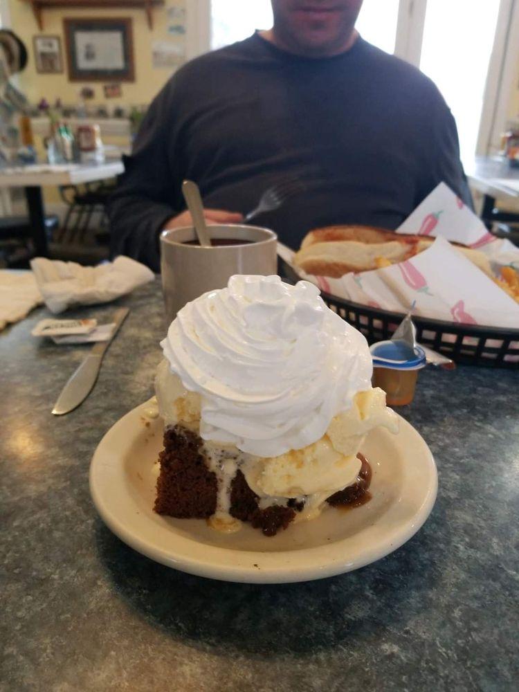 Memories Cafe: 1017 Eastside Hwy, Corvallis, MT