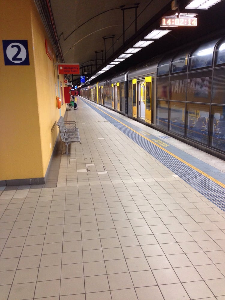 how to get to bondi junction station