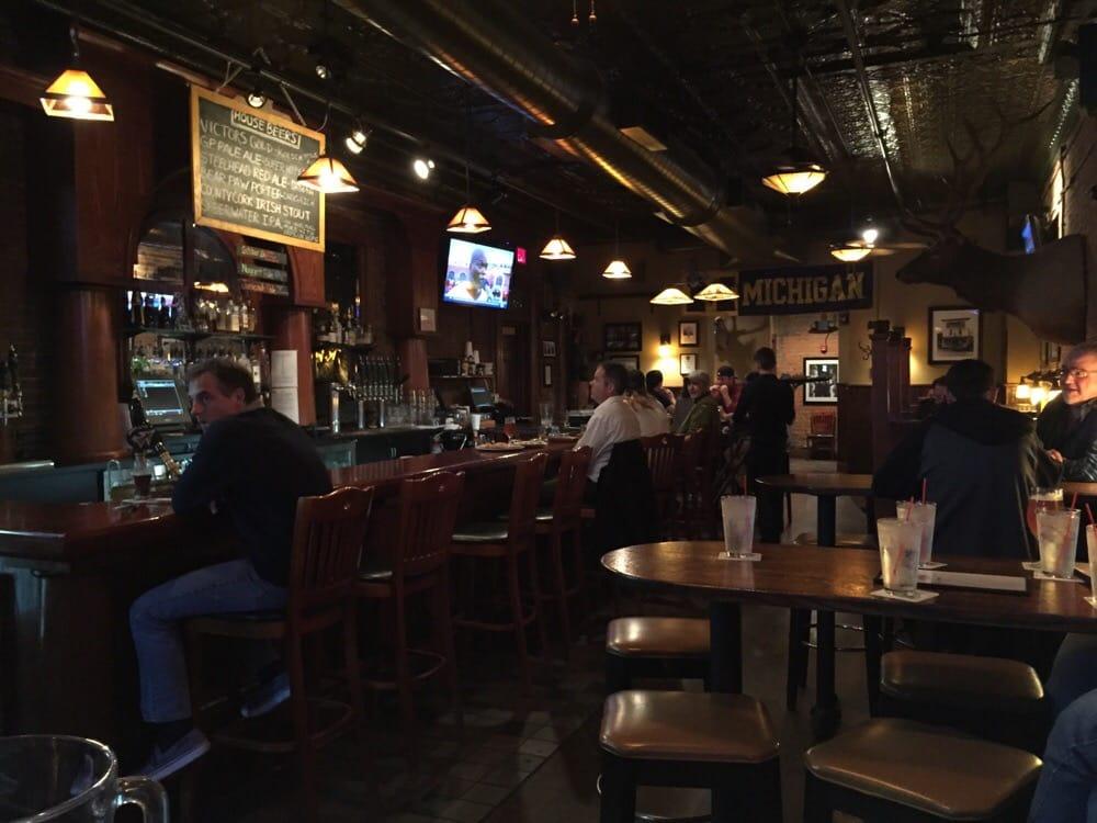 Grizzly peak brewing company 156 foto e 416 recensioni for Affitti della cabina di ann arbor michigan