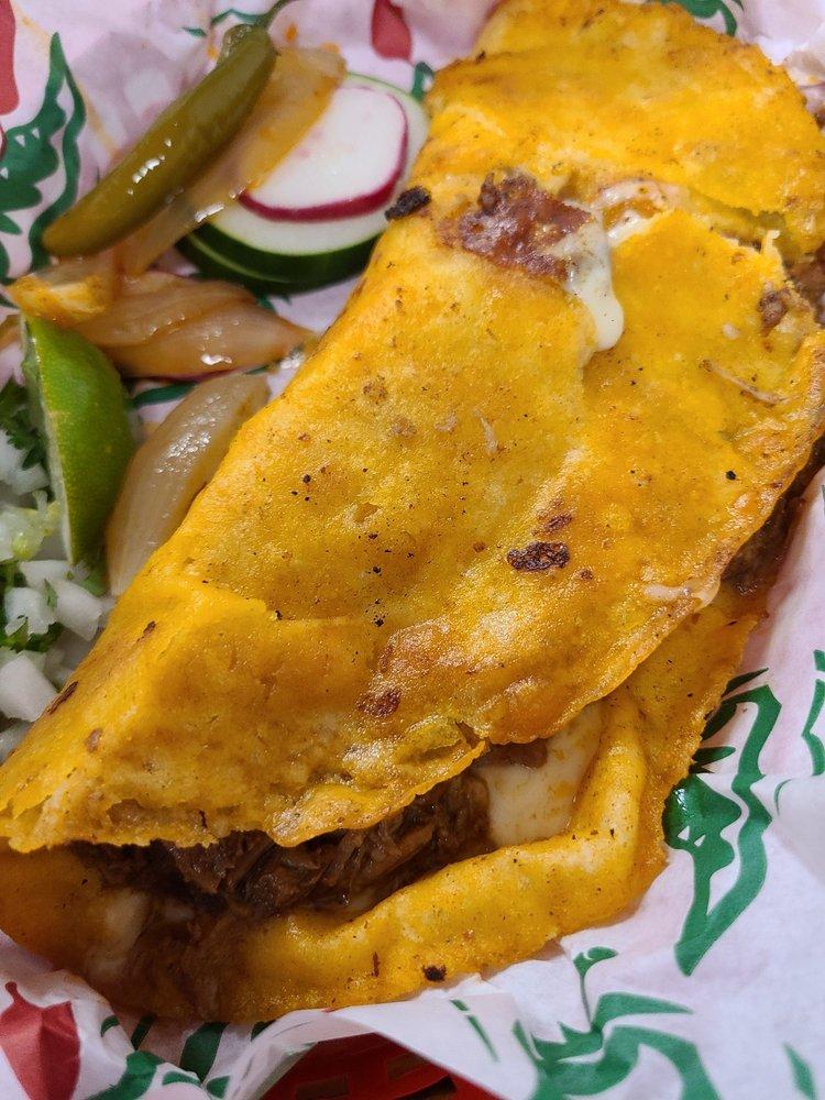 El Senor De Los Tacos Bar & Grill: 1612 S 8th St, Rogers, AR