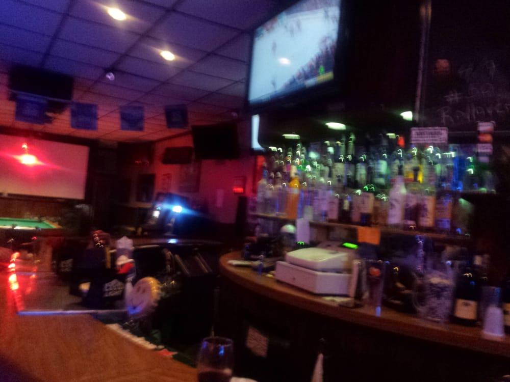 The Borderline Tavern: 244-18 Jericho Tpke, Floral Park, NY