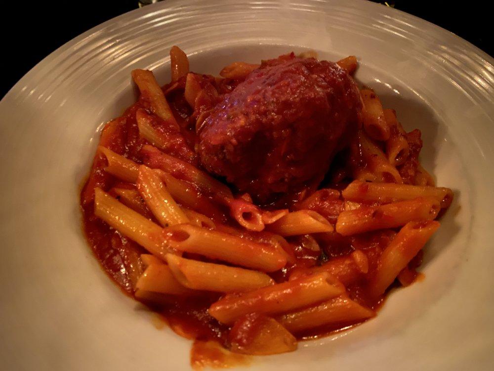 Capo's Restaurant & Speakeasy