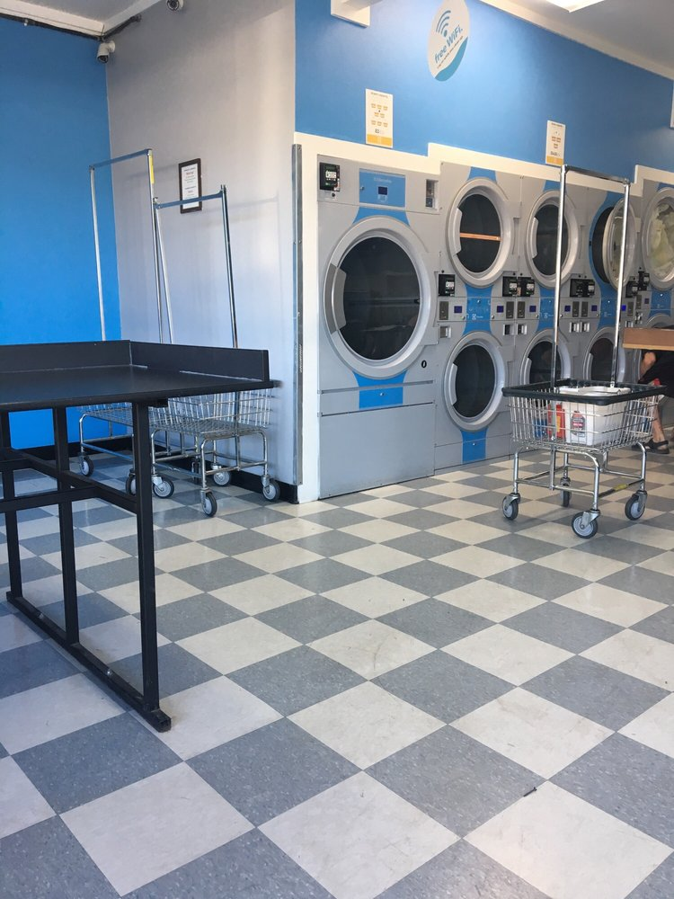 Express Eco Laundromat: 407 SE 3rd St, Bend, OR