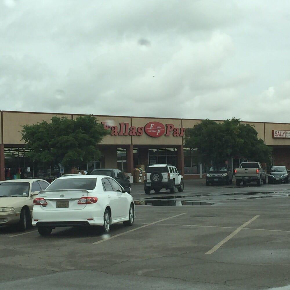 Fallas Paredas: 8500 Dyer St, El Paso, TX