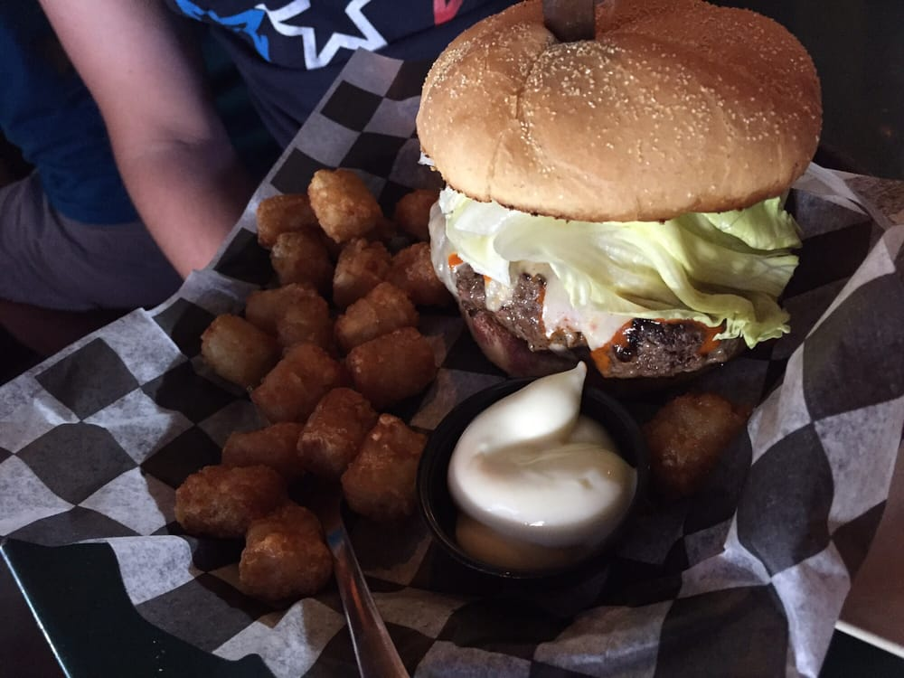 Willy's Burgers & Booze