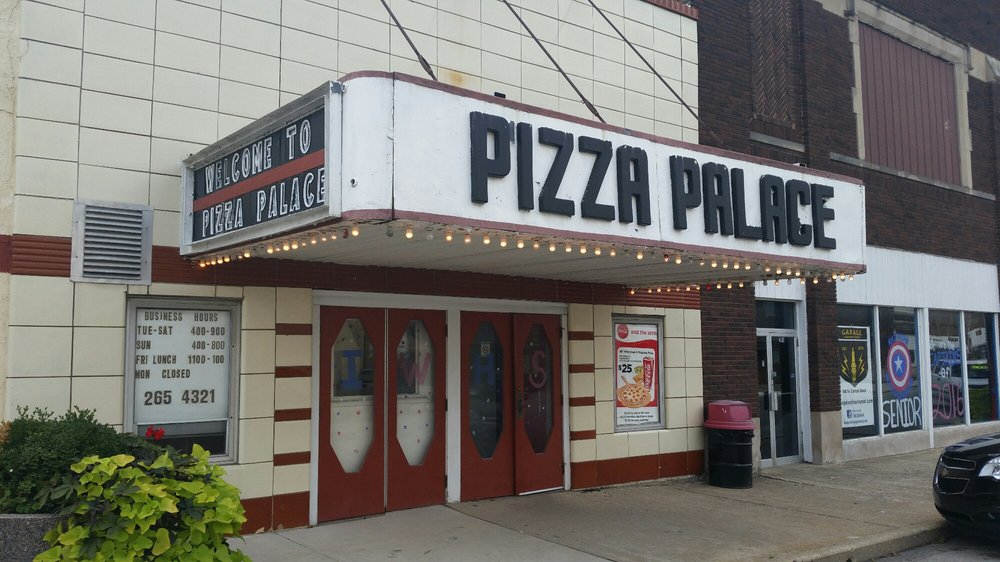 Pizza Palace: 132 N Central St, Gilman, IL