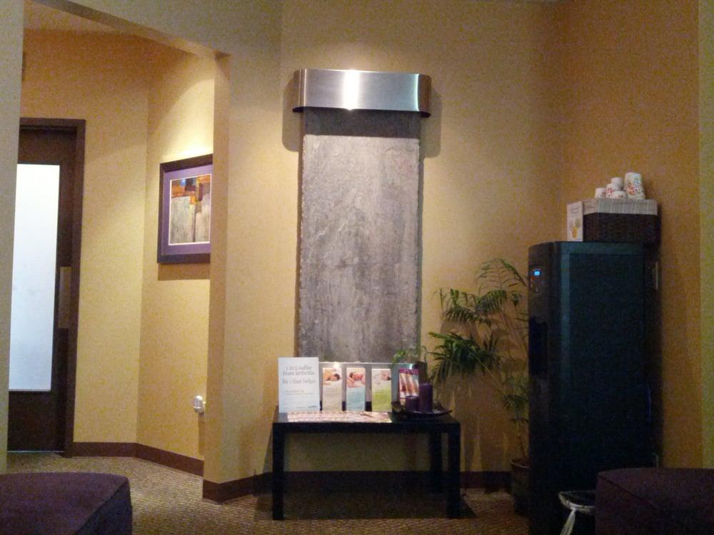 Massage envy renton landing 10 foton 76 recensioner for 10th street salon
