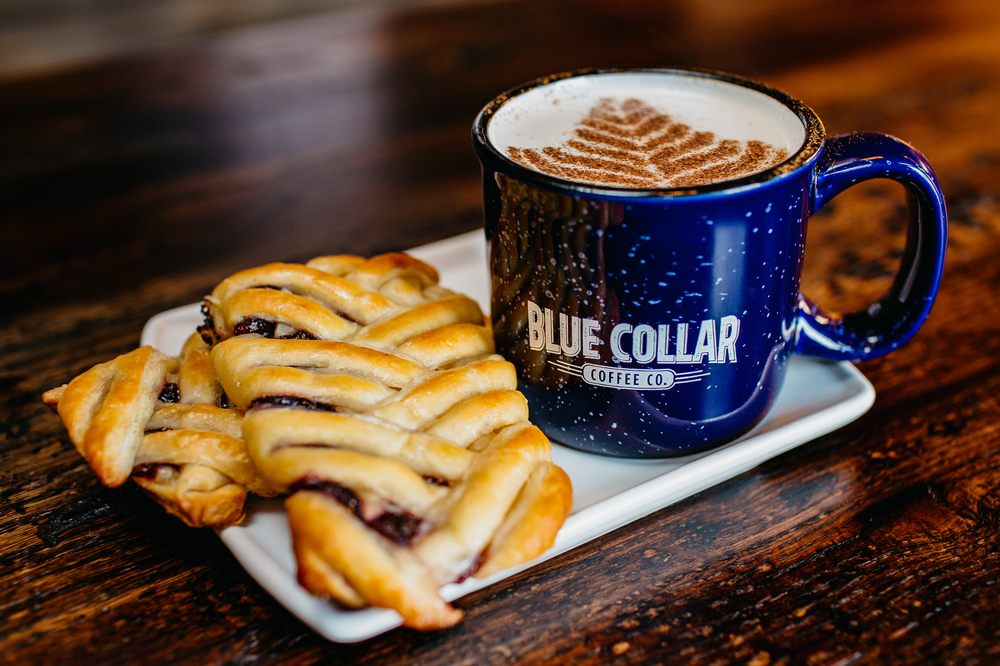 Blue Collar Coffee: 523 Milwaukee St, Delafield, WI