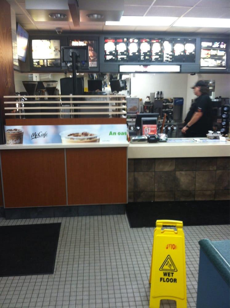 McDonald's: 8720 Waynesburg Dr SE, Waynesburg, OH
