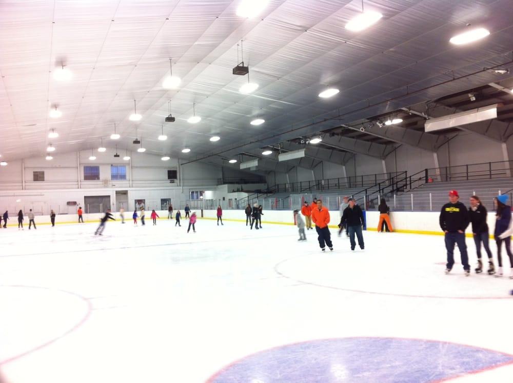Cyr Arena Skating Rink: 200 Trafton Rd, Springfield, MA