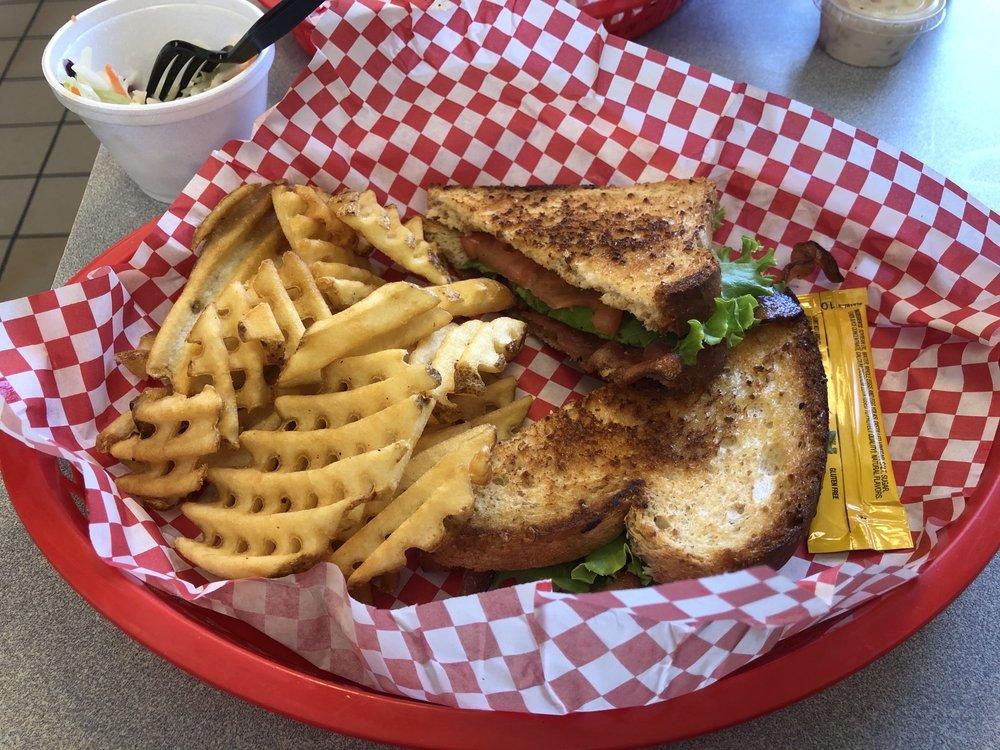 Big Tom's Diner: 1415 E Wells Ave, Pierre, SD