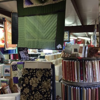 Log Cabin Quilt Shop 11 Photos Fabric Stores 2679 Old