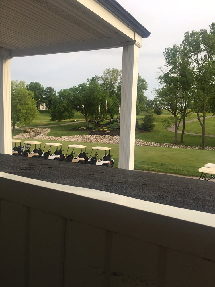 Woods Fort Restaurant: 1 Country Club Dr, Troy, MO