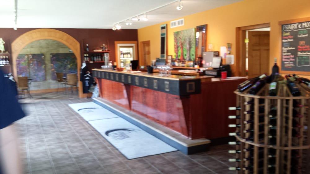 Prairie Moon Winery: 3801 W 190th St, Ames, IA