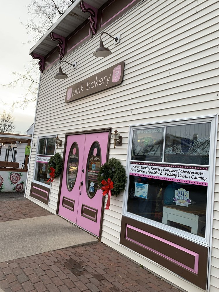 Pink Bakery: 7778 Hwy 42, Egg Harbor, WI