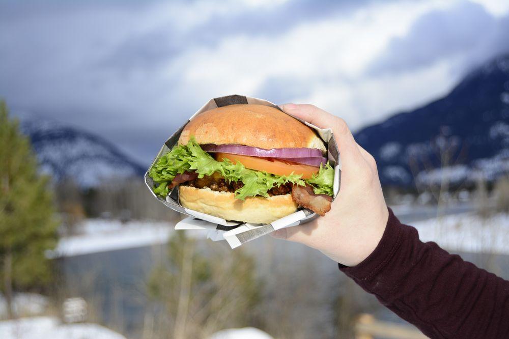 MUDMAN Burgers: 1260 US Highway 2 W, Kalispell, MT