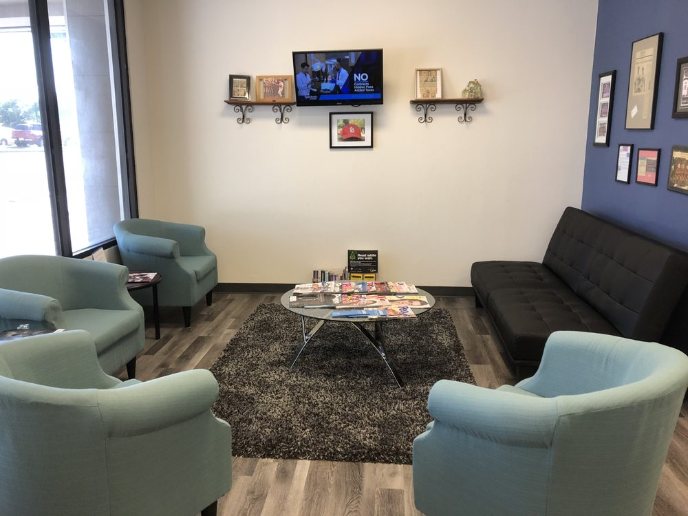 West County Eyecare: 1340 Big Bend Square, Manchester, MO