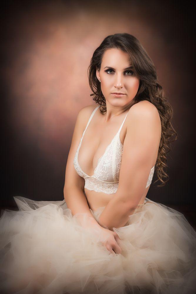 Signature Beauty Gallery: 13001 Auburn Cove Ln, Orlando, FL