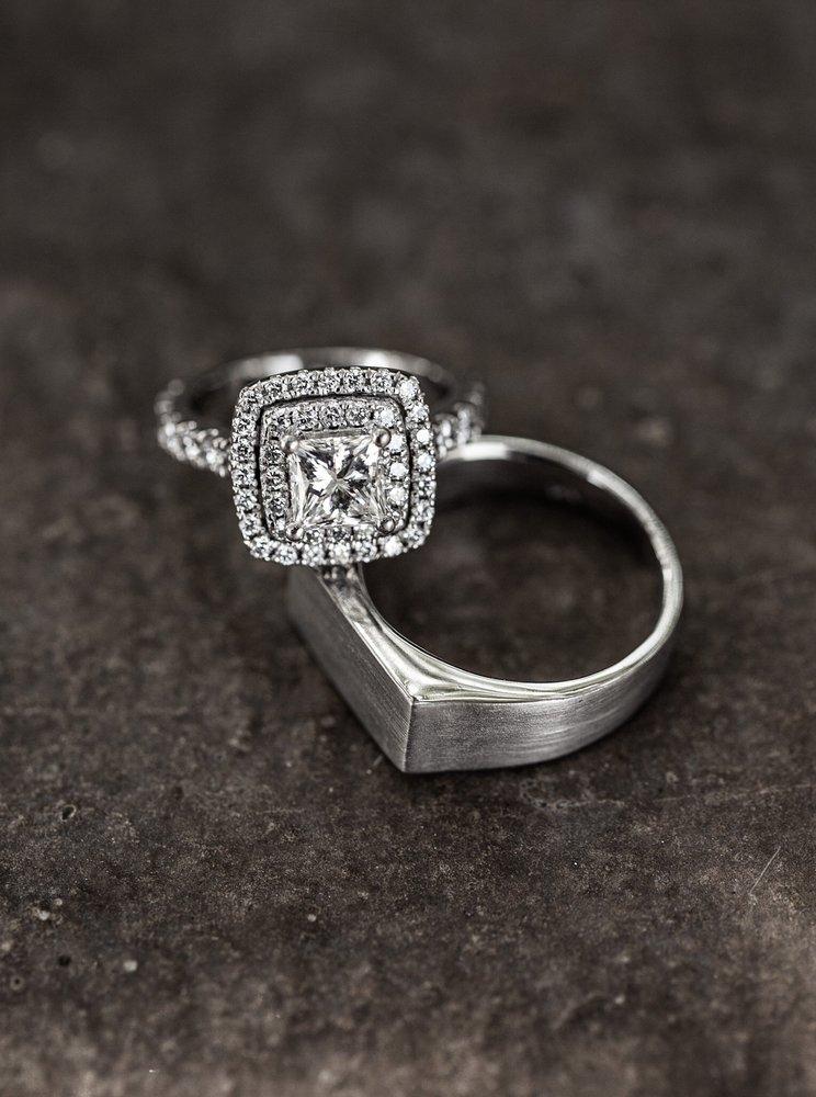 The Diamond Gallery: 1091 E Champlain Dr, Fresno, CA